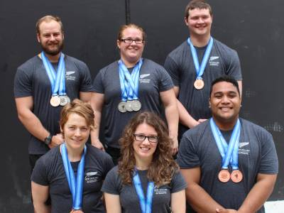 Strong finish for Kiwi weightlifters in PNG