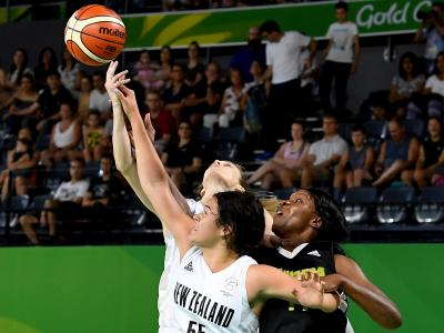 Basketball women remain unbeaten