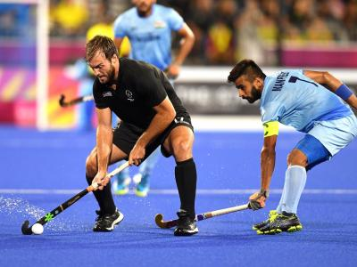 Hockey men into gold medal match