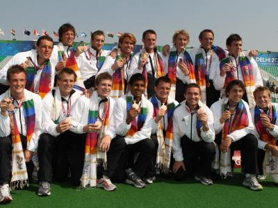 Hockey men grab bronze
