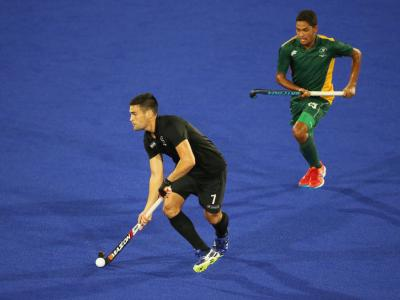 Hockey men power past South Africa