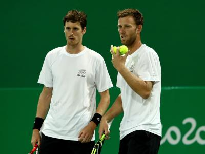 Tennis doubles men lose a thriller