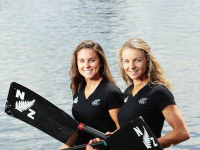Be The Inspiration: Julia Edward and Sophie Mackenzie