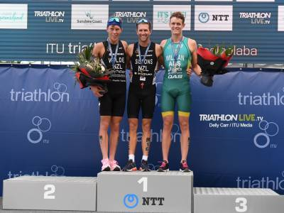 Weekly wrap: Gold and silver for triathletes in Australia + boxer David Nyika second at Olympic qualification tournament